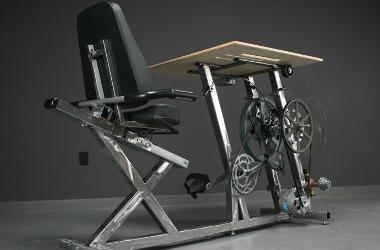 Un vélo-bureau pour faire du sport en travaillant