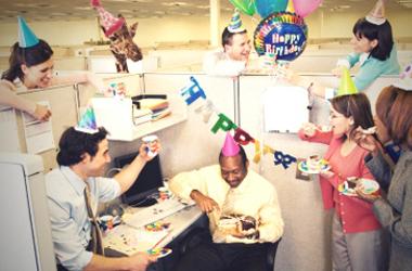 Comment fêter son anniversaire au bureau