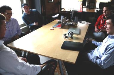 «Teambuildez» en réunion !