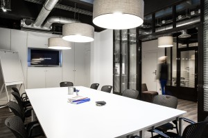 salle-visioconférence-paris-halles-bird-office