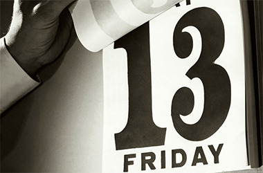 Comment survivre à un Vendredi 13 au bureau?