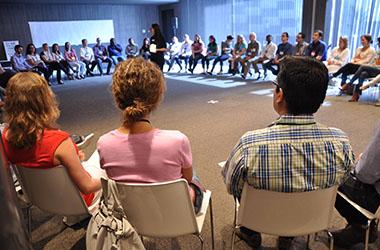 Adoptez le leadership collectif en réunion grâce au belongship