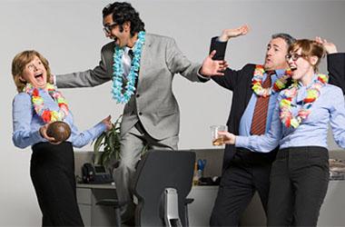 Organisez une soirée d'entreprise avant de partir en vacances d'été !
