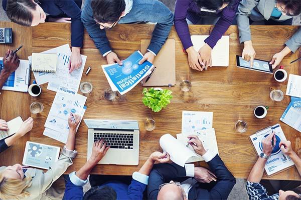 efficace-et-constructif-en-reunion-au-travail